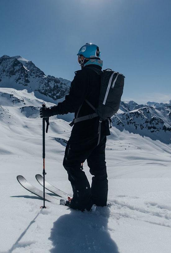 Skieur station les Arcs
